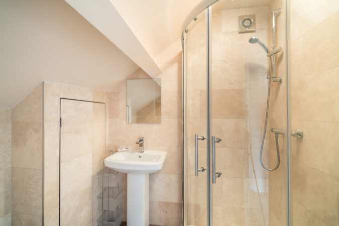 Coach House Sleights - Shower room