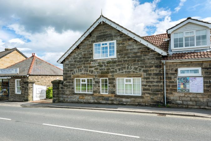 Cottage with private hot tub Sleights, Yorkshire coast holiday let with hot tub, Self catering cottage allows dogs near Whitby, Holiday cottage with garden Sleights