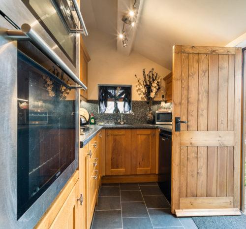 Howdale Cottage Flyingthorpe - Fabulous kitchen