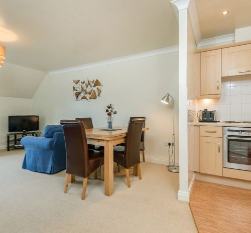 Low Tide Apartment, Whitehall Landing, Whitby - Living dining area with river views