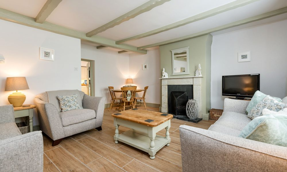 Holiday cottage close to beach Whitby, Pet friendly holiday cottage near beach Whitby, Holiday accommodation Whitby.