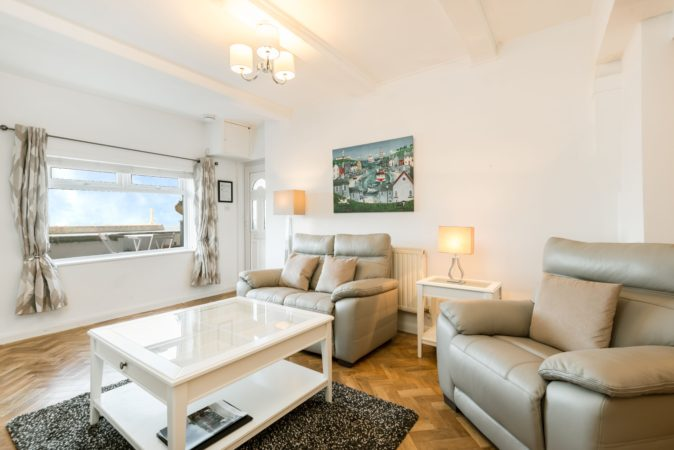Beach side holiday accommodation Whitby, Cottage close to beach and town centre Whitby.