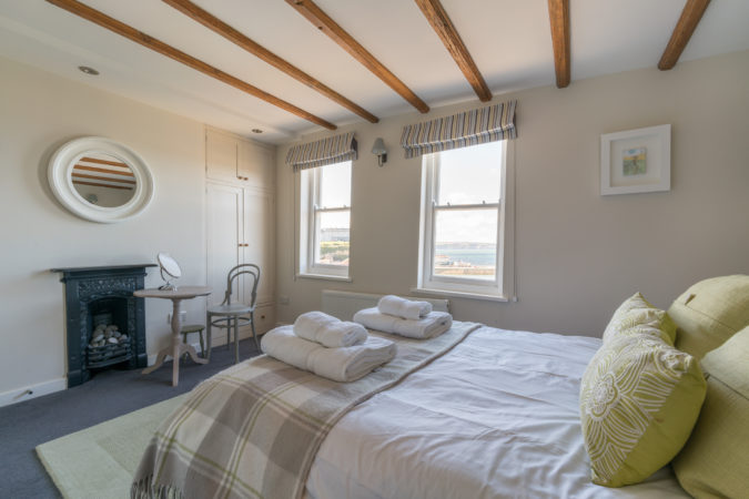 Tipple Cottage Whitby - Double bedroom