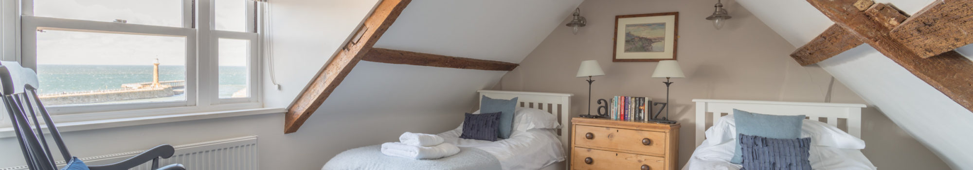 Tipple Cottage Whitby - Attic twin bedroom