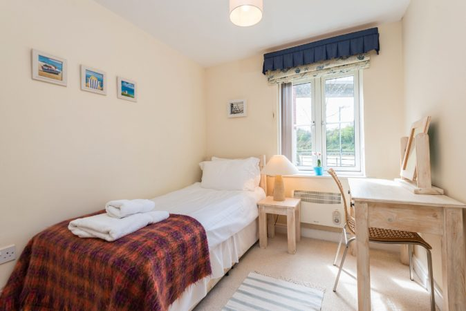 Whitby self catering holiday apartment, Accommodation Whitby, Holiday Apartment near river Whitby, Dog friendly cottages Whitby.