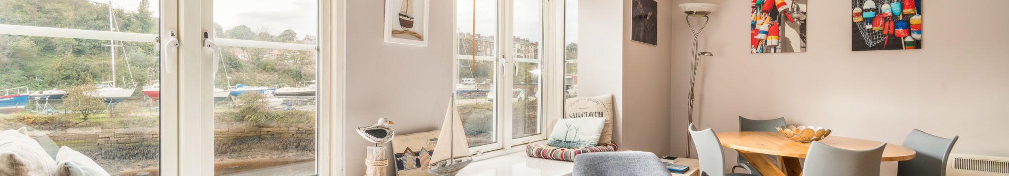 Water's Edge Apartment, Whitby. Living room with a view