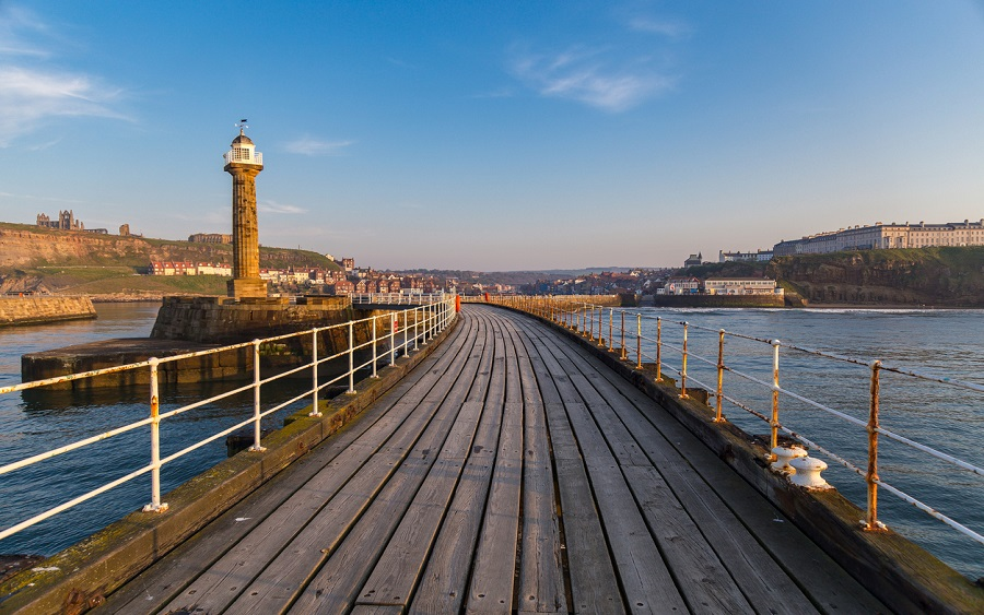 Piers in Whitby, holiday cottages in Whitby