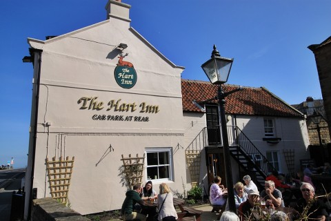 Dog-friendly pub in Sandsend Whitby