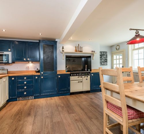 Holiday cottage in walking distance of town Whitby, Holiday Cottage with garden Whitby, Cottage close to marina Whitby, Cottage to rent Whitby.