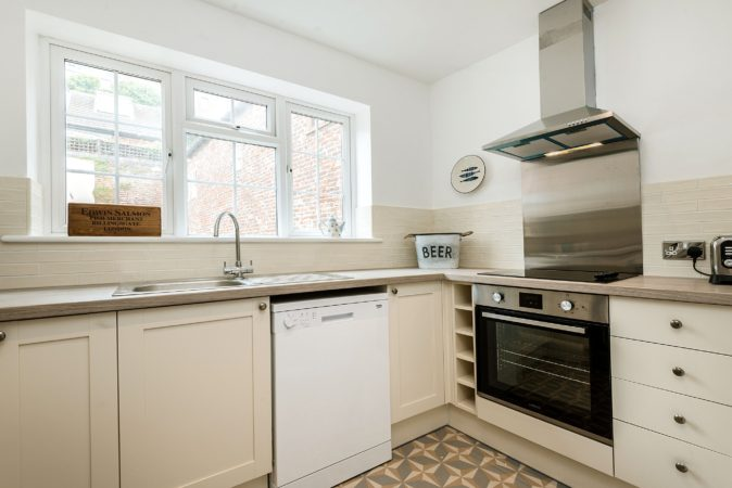Self catering cottages Whitby, Pet friendly holiday lets Whitby, Whitby centre cottage with parking.