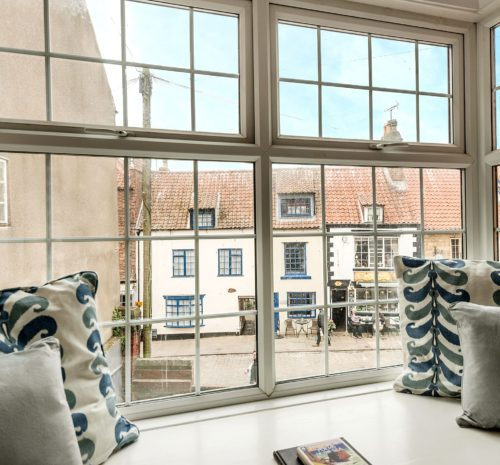 Whitby holiday apartment in centre, Dog friendly cottage with garden Whitby, Whitby cottages with private parking.