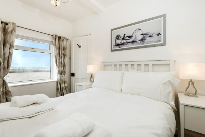 Sea view cottage Whitby, Whitby cottage close to beach, Whitby self catering cottage.