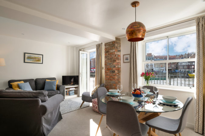 Dog friendly apartment Whitby. Whitby holiday cottages. Holiday apartment in Whitby.